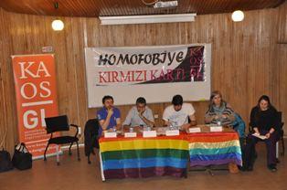 homofobiye kirmizi kart2
