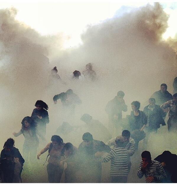 istanbul-taksim-1-mayis-2013-polis-gaz-bombasi