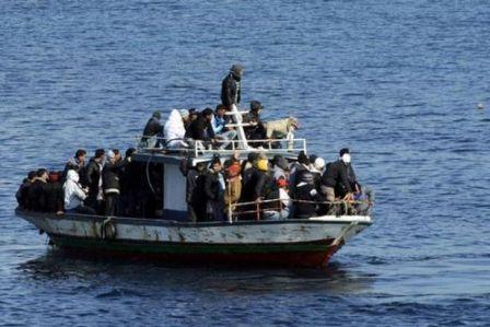 Mültecileri taşıyan tek ne battı
