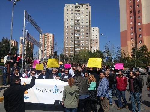 Küçükçekmece halkı Ensar Vakfını protesto etti