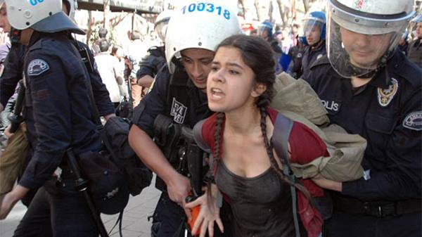 Yüksel caddesinde Dev Lise saldırı
