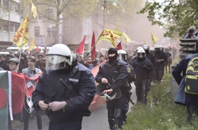 stuttgartta fasist afd protestosu