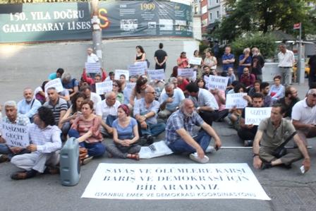 Faşist baskı ve saldırılara karşı oturma eylemi