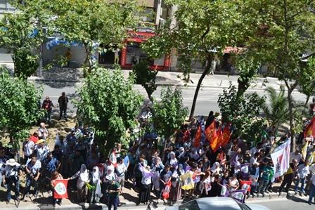 İzmirde abluka altında HDP mitingi