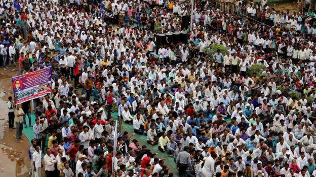 hindistandan dalitler ayrimciliga karsi yurudu